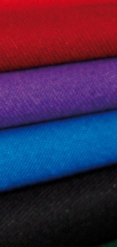 Fabricamos el clásico y auténtico paño para la capa española en pura lana